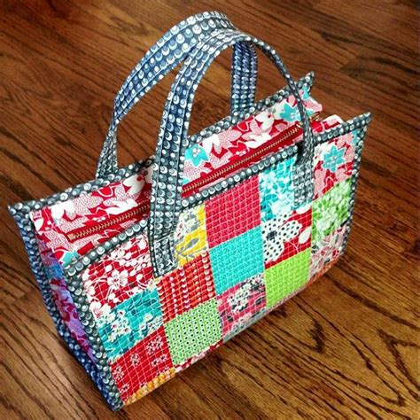 tutorial videos for quilting and tote bags this charming tote can be used as a purse quilting digest
