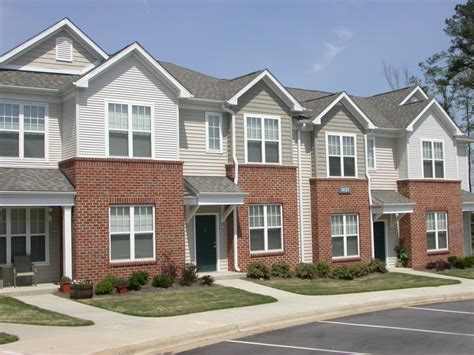 falls creek apartments townhomes raleigh nc apartment finder