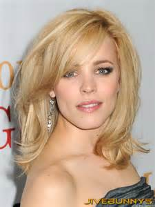 mcadams hair color mcadams curly bob with bangs