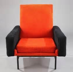 un fauteuil a r p mod 232 le quot 642 quot pour steiner meubles