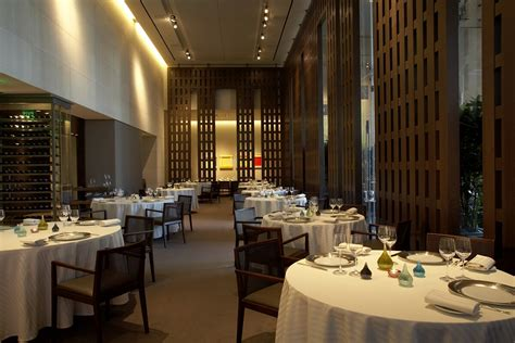 Dining Rooms Las Vegas by Restaurant Savoy At Caesars Palace To Open Early For