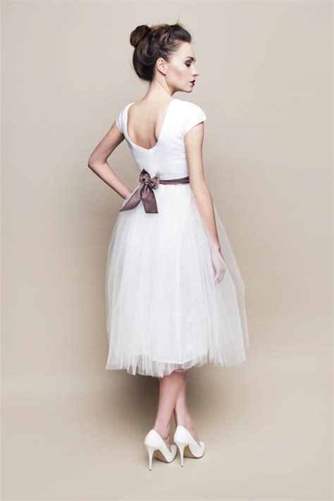 Brautkleider 60er Jahre Stil by Kurzes Brautkleid Im 60er Jahre Stil Mit Schleife