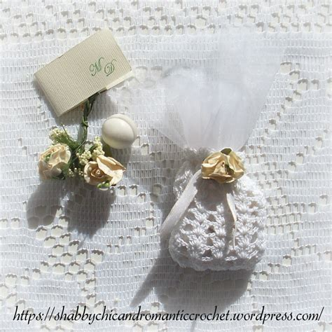 Crochet Giveaway Ideas - shell stitch crochet wedding favor sachet allfreediyweddings com