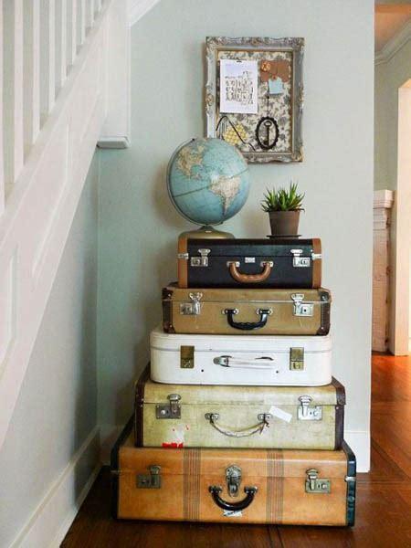 vintage furniture    suitcases room decorating