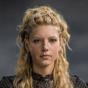 how to do hair like lagatha lothbrok lagatha hair lagertha pinterest
