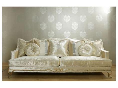Halbrundes Sofa Im Klassischen Stil by Sofas Polstersitze Sofas Polstersitze Klassische Stil