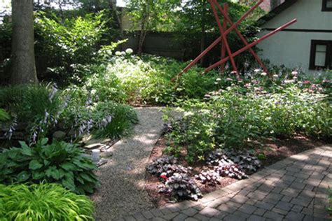 Case Study An Alternative Yard Nature S Perspective Landscaping