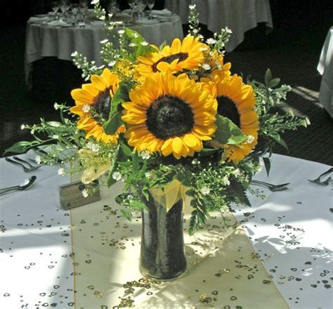 25  best Sunflower table centerpieces ideas on Pinterest
