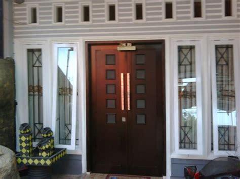 Kursi Besi Gandeng pintu rumah kayu jati minimalis desain pintu terbaru