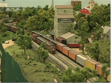 model railroader video layout tour video layout tour of tony bowen s n scale rock island