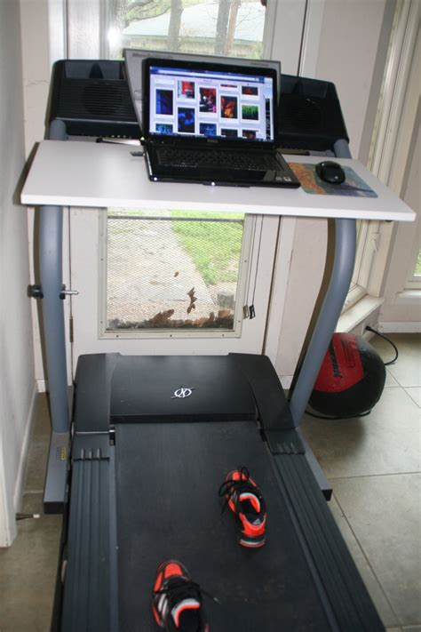 Diy Treadmill Desk I Wiiiiiiish I Could Put Something Diy Treadmill Desk
