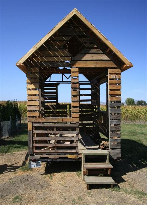 Pallet House by Tiny Pallet House Inspiring Design