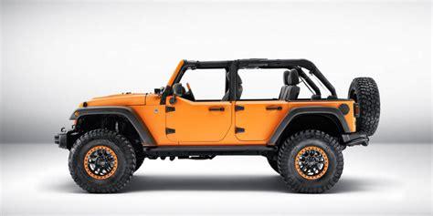 mobil jeep lama jeep wrangler warna orange hiasi frankfrut auto