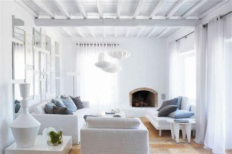 white home interiors para 237 so blanco en grecia de estilo moderno con toques r 250 sticos