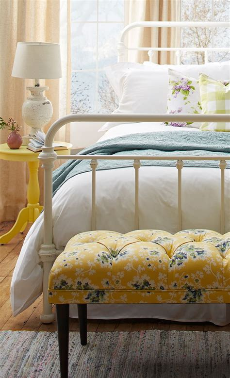 yellow bedroom furniture 25 best ideas about gray yellow bedrooms on