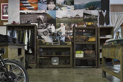 Deus Ex Machina Siluet Store 3 iannessick x deus ex machina deus ex machina custom motorcycles surfboards clothing and