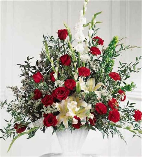 Best Flowers For Funeral by Funeral Flower Arrangements For Urns Pictures Reference