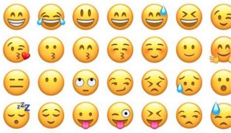 imagenes de emoticones de whatsapp uno por uno y emojis emoji world