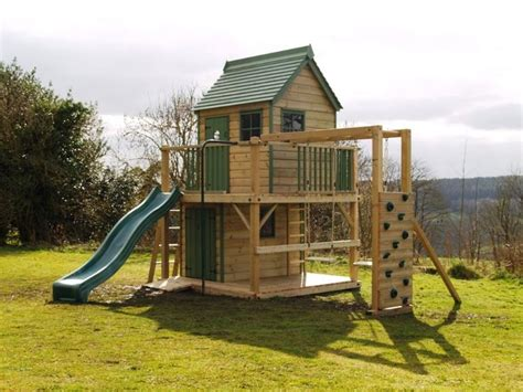 backyard playhouse plan this free standing treehouse a playhouse climbing frame