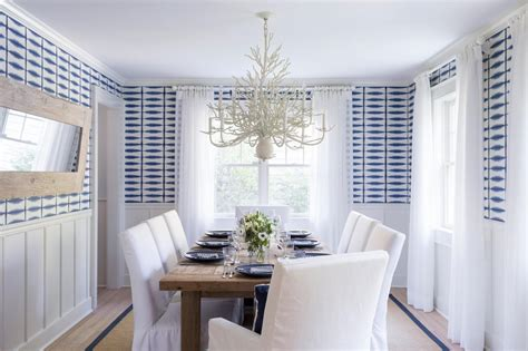 chandelier in dining room 10 chandeliers that are dining room statement makers