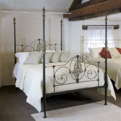 iron four poster bed cast iron four poster bed m4p11 361615 sellingantiques