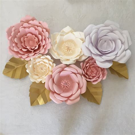 Make Big Paper Flowers - how to create paper leaves for your paper flowers go