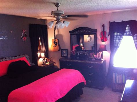 Jennipher Also Search For Neon Pink And Black Master Bedroom Mirrors And Curtains Above Nightstands To Make It