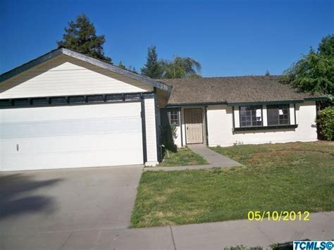 houses for sale in tulare 636 s aronian st tulare california 93274 detailed property info reo properties and bank