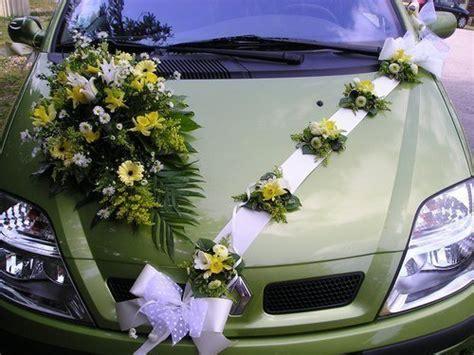 voiture des maries decoration