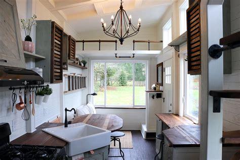 tiny house packs farmhouse chic   square feet