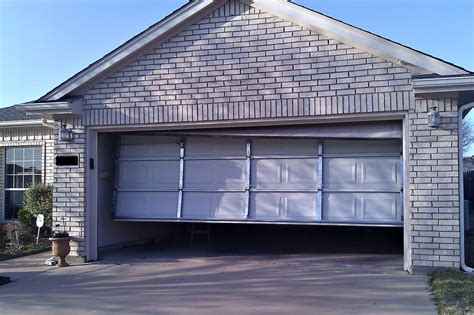 Electric Garage Door Repair Garage Door Repair Can Be Done With The Help Of Experts Designwalls