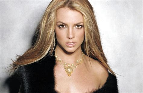 Britney looked PERFECT here. This might be my favorite ... Britney Spears