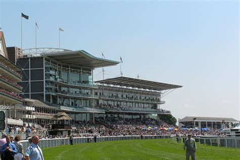 york racecourse file york racecourse stands jpg wikimedia commons