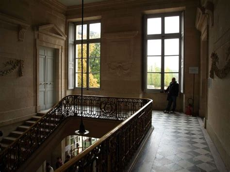 Salon De Jardin Blanc 4805 by La Visite Du Petit Trianon L Escalier D Honneur Pt0
