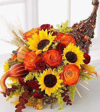 thanksgiving flowers ideas best 25 thanksgiving centerpieces ideas on pinterest