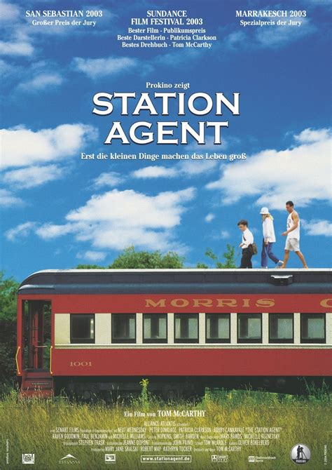 peter dinklage the station agent the station agent starring peter dinklage patricia