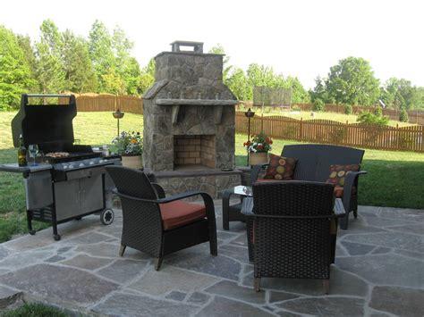 patio flooring options combine stone tile  outdoor patio flooring ideas with cream travertine stone tile floorin