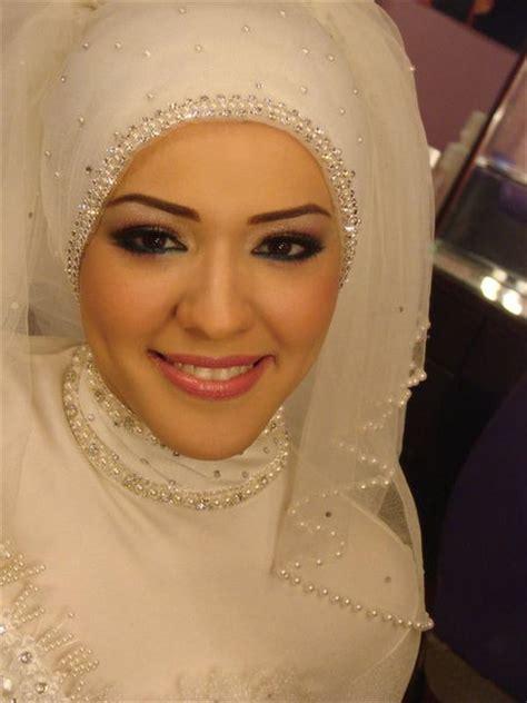 Bros Baju Kerajaan Yogyakarta Tanpa Berlian salon kerudung dan jilbab muslimah professional