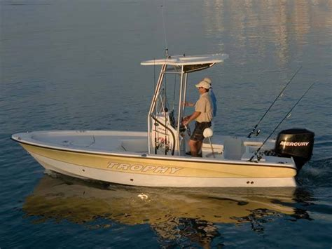 trophy bay boats research trophy boats 1901 baypro bay boat on iboats