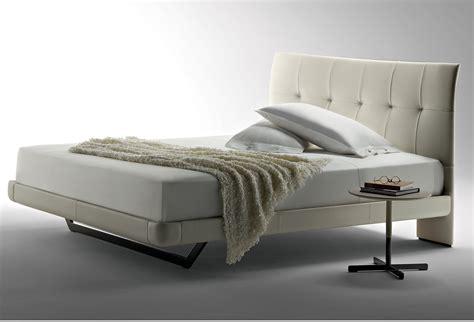 letti imbottiti frau due bed by poltrona frau anima domus
