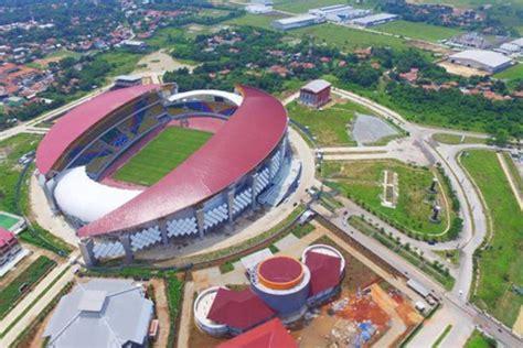 kumpulan stadion sepak bola  berada  lokasi tak terduga