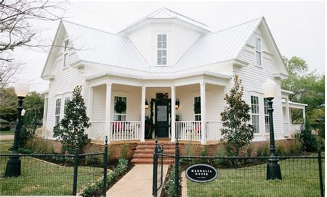 Magnolia House Bed And Breakfast Waco Tx Homesdecorinfo | 10 things you wanted to know about quot fixer upper quot on hgtv