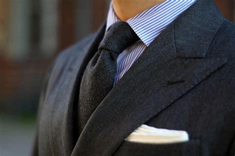 wool tie by berg berg details dress like a