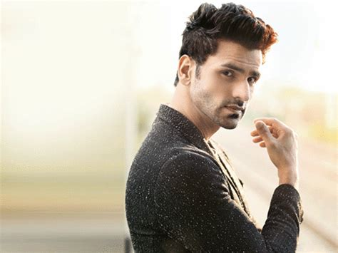 vivek dahiya with his wife vivek dahiya revisits his pizza delivery days bombay times