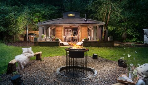 billingshurst self catering hideaway with hot tub west sussex