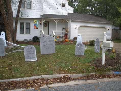hunting decorations for home outdoor halloween decorations ideas to stand out