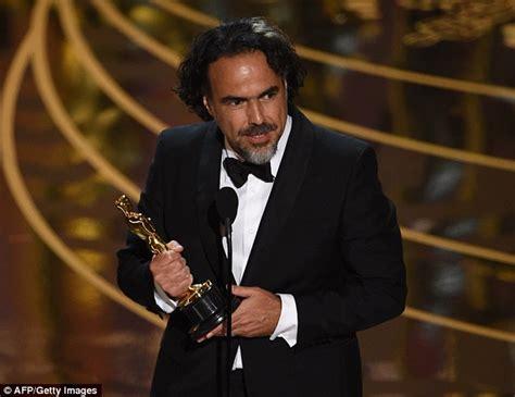 directors who won an oscar alejandro gonzalez inarritu proves he clapped for oscar