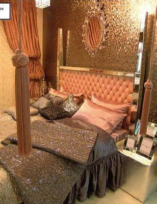 Quilted Bed Backboard by 25 Best Ideas About Glamorous Bedrooms On Glamorous Bedding Glam Bedroom And