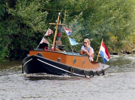 mooie en praktische opduwer uit 1930 sleepboot opdrukker - Opduwertje Boot Te Koop