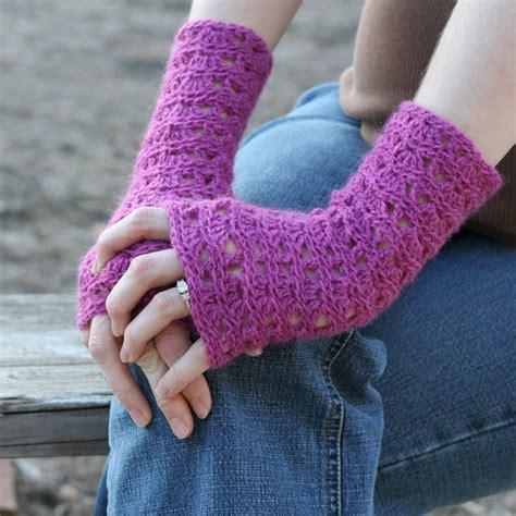 free pattern wrist warmers free crochet wrist warmers pattern crochet knit clothes